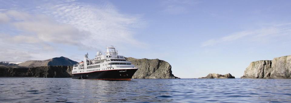 Silver Explorer de Silversea Cruises, des croisières expéditionnaires de luxe. Disponibilités d'août à octobre 2012.